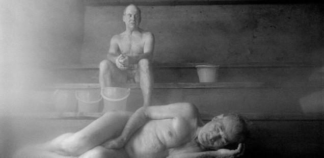 Photobook Review: Laurence Salzmann - La Baie/Bath Scenes