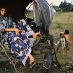 Tomasz Tomaszewski - Gypsies. Different people, just like us.